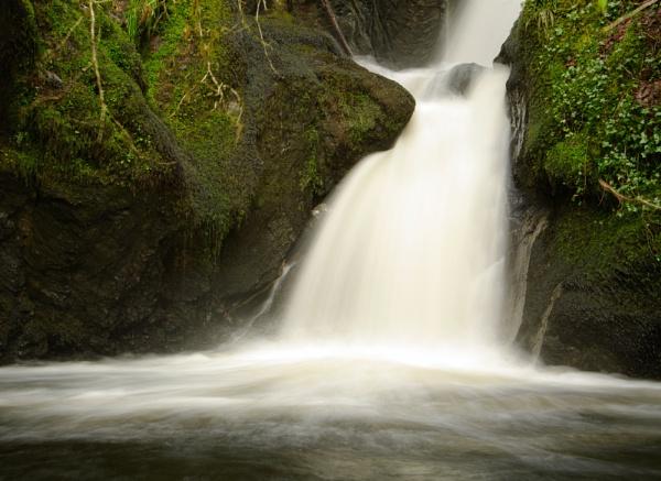 Waterfall by AllyN