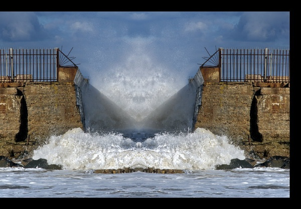 Water Gate by CAMRABAG