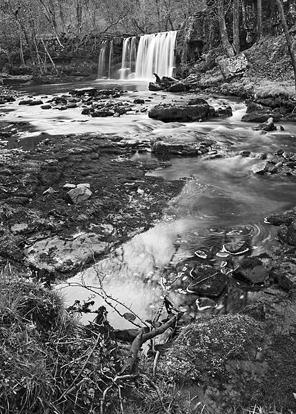 waterfall by zapar40