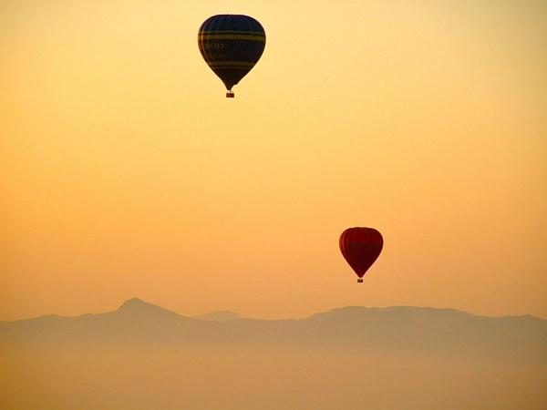 Ballooning over Egypt by Fairoaks