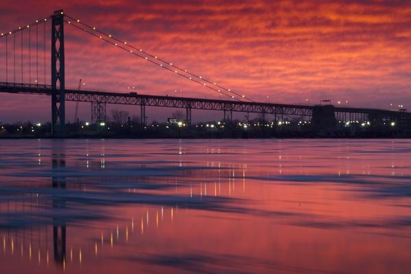 Sunset over the bridge by mswiech