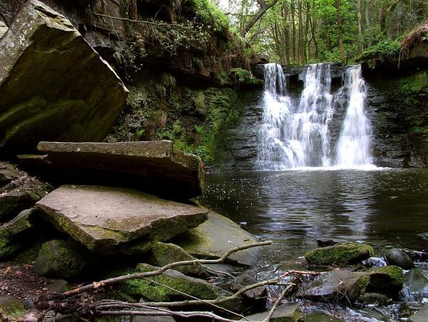 Goit stock Waterfall BINGLEY by TONKSPHOTO