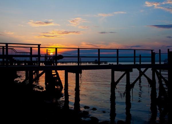 Sunset  & jetties........................... by morpheus1955