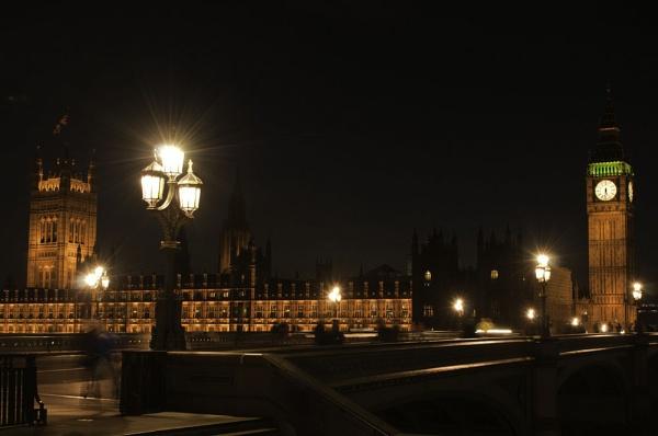 London by Night by redpuma