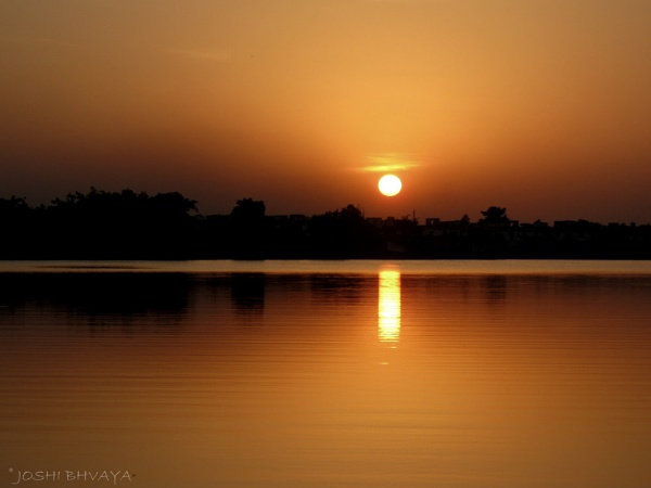 Lonely Sunset by bhavya