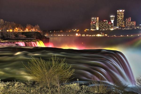 American Falls of Niagara Falls by chieflong