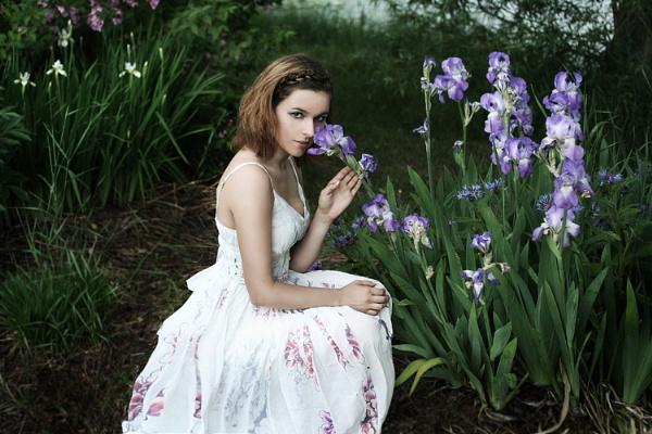 Violet by Apri1
