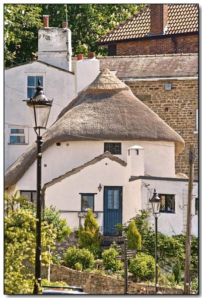 Manor Cottage by TrevBatWCC