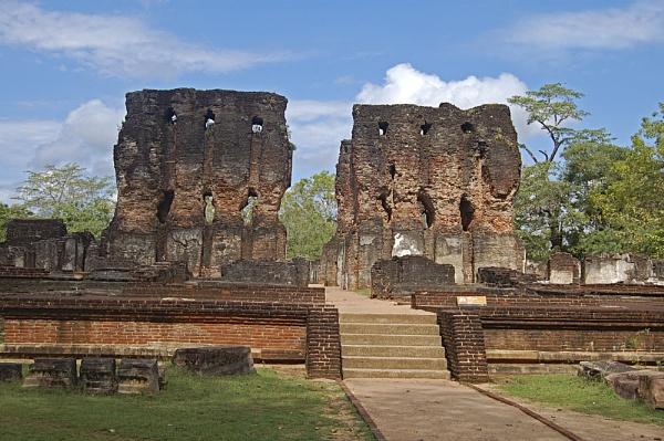 Pollonaruwa-Royal Palace by Sri