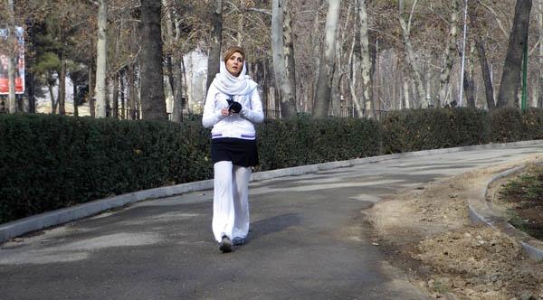 Jogging  Katayoun by kombizz