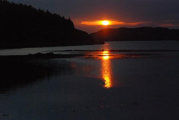 sunset over bunessan bay isle of mull by manorjim