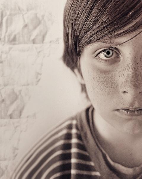 The Boy in the Striped Pyjamas by aleci