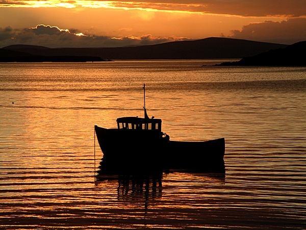Sun Setting At Trondra, Shetland. by ArtofOrdinary