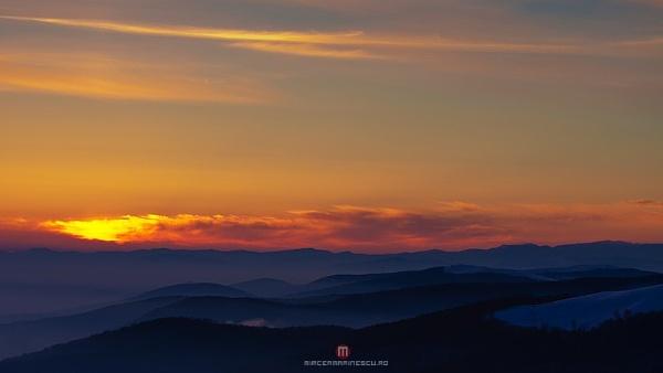 Good night by Mircea_Marinescu
