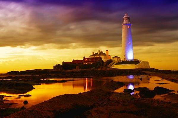 st marys lighthouse by tattsdurham