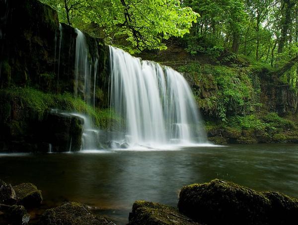 Falling Water.... by becciread