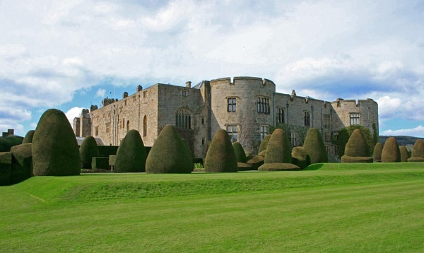 Chirk Castle by patrrick