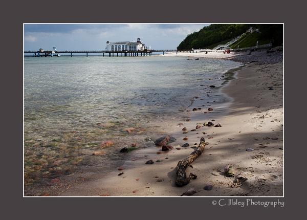 Sellin Pier 2 by CathyI