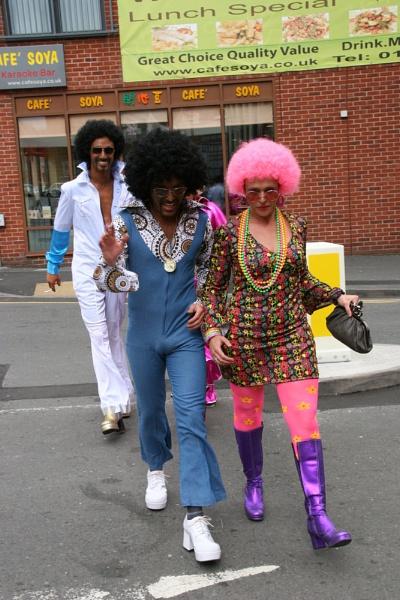 Afro Crossing Platform! by happysnapperman