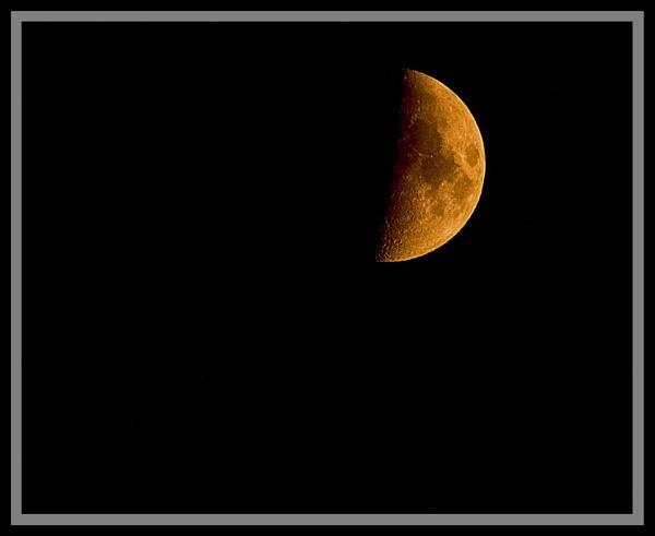 June moon by Heffo1