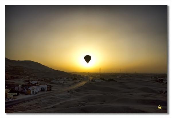 Ballon Eclipse by Doglet