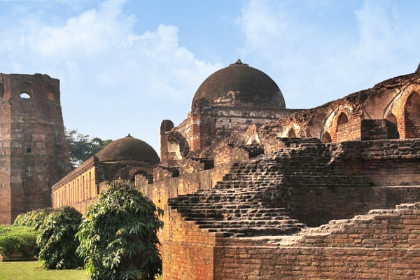 These ruins says...He once ruled from here. by PradyothChakraborty