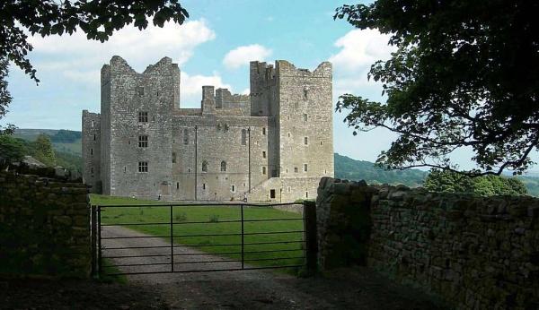 Castle Bolton by dascmor