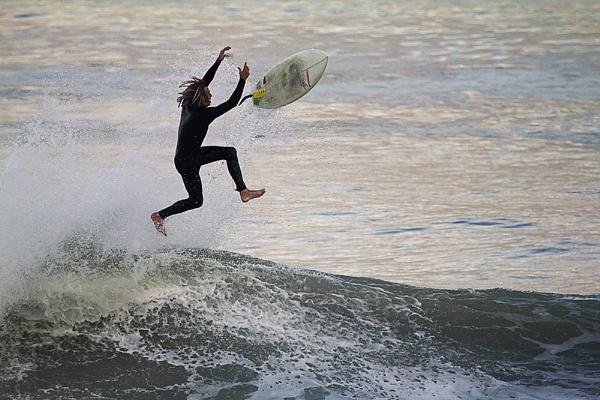 Catch a wave by Stanleyace