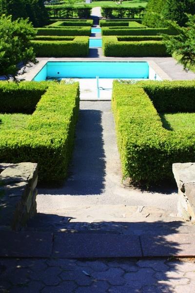 Garden Maze by museana