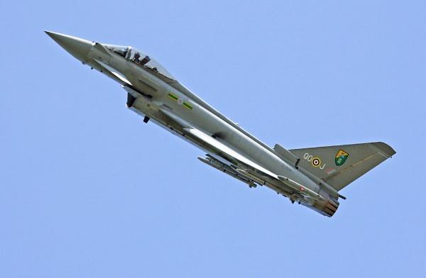 RAF TYPHOON by crapsnap