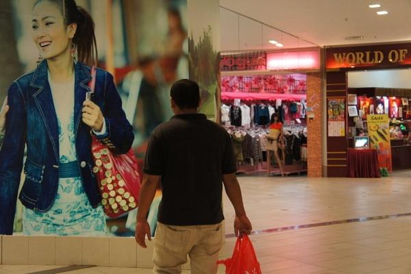 Shopping. by faizul_md