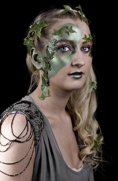 Poison Ivy by TheFotoGraffer