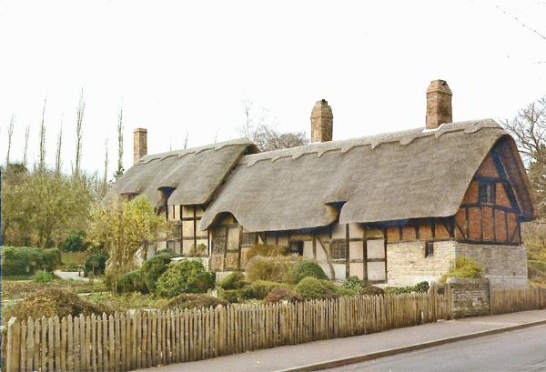 Anne Hathaway\'s Cottage by Hurstbourne