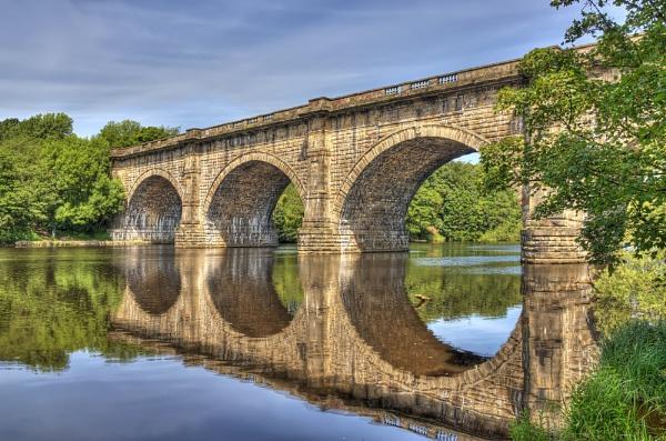 aqauduct bridge by ronnibobs