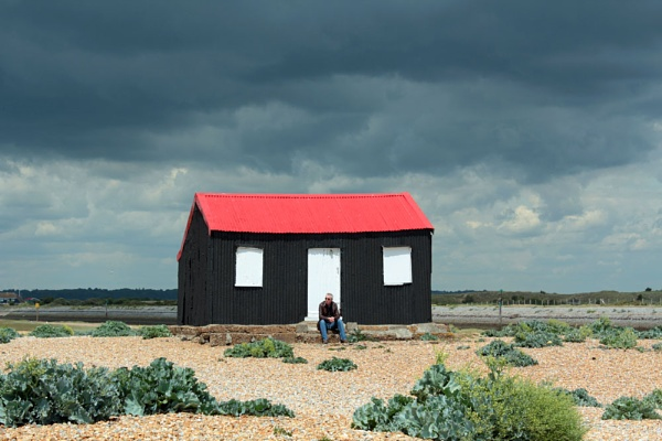 Red Roofed Hut by VivienO