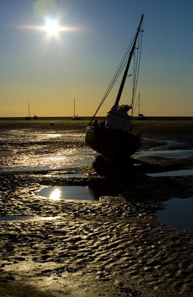 Boat at Meols by PaulSR