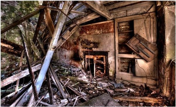 Old Farmhouse by Natzdad