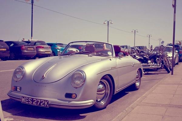 Retro Porsche by Lexxy
