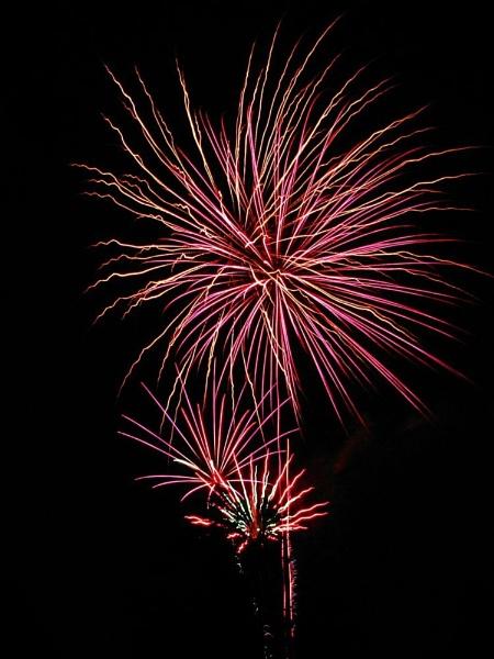 Fireworks 2! by shadow18