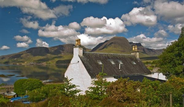 highland home by skyesam