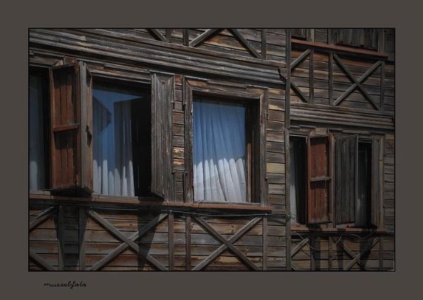 Windows by museebfoto