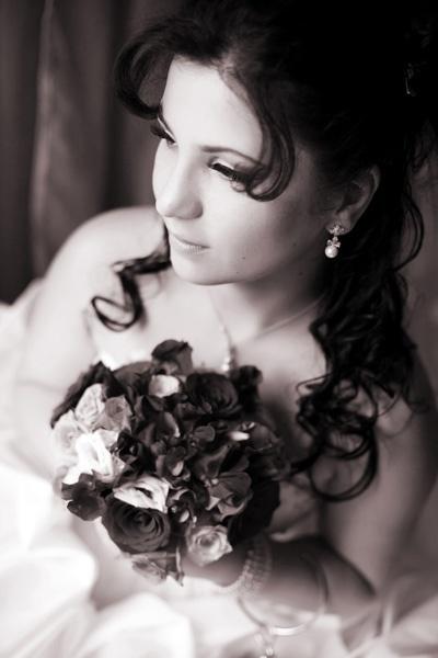 Monica, bride portrait by scata