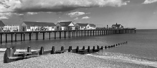 Southwold Pier by rambler