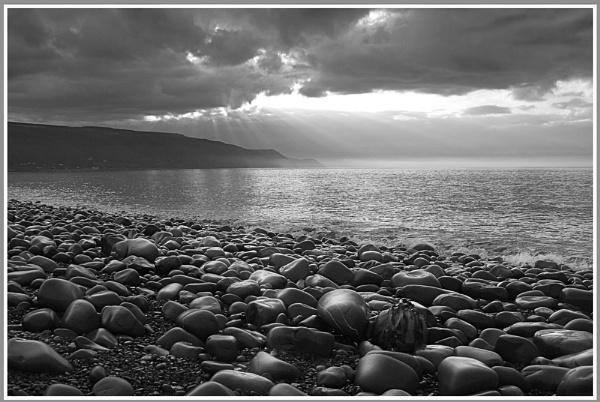 Light. Porlock Bay by accipiter