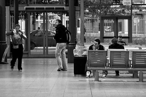 waiting room by JOHNu