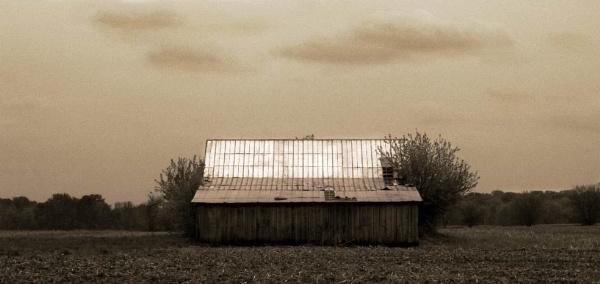 farm house by hifijohn