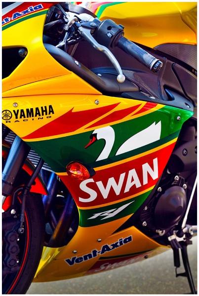 The great looking Swan Yamaha British Superbike by marathonman2