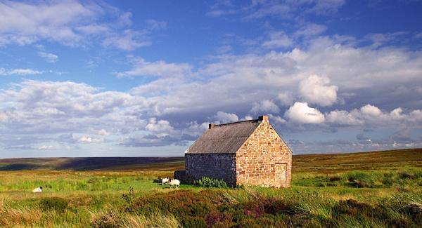 moorland house by skyesam