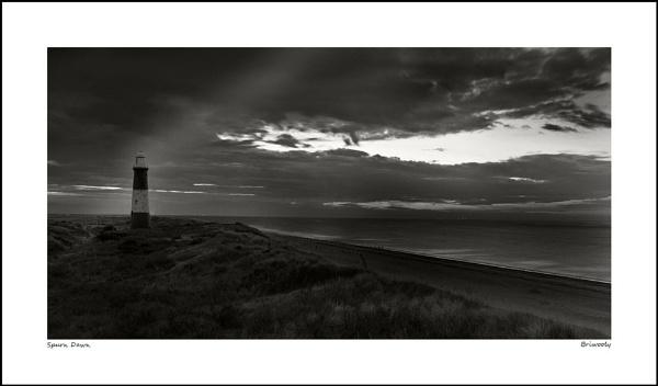 Spurn Dawn (3:50am) by Briwooly