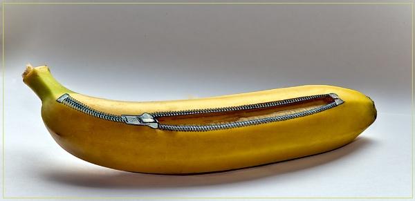 Unzip a Banana by videotec